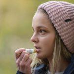 lippenbalsam-trockene-lippen-haut-naturkosmetik-hautpflege-natürlich-biologisch-biokosmetik-mostbee.a